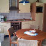 Ausstattung Ferienwohnung, Kochen Ferien, Küchentisch